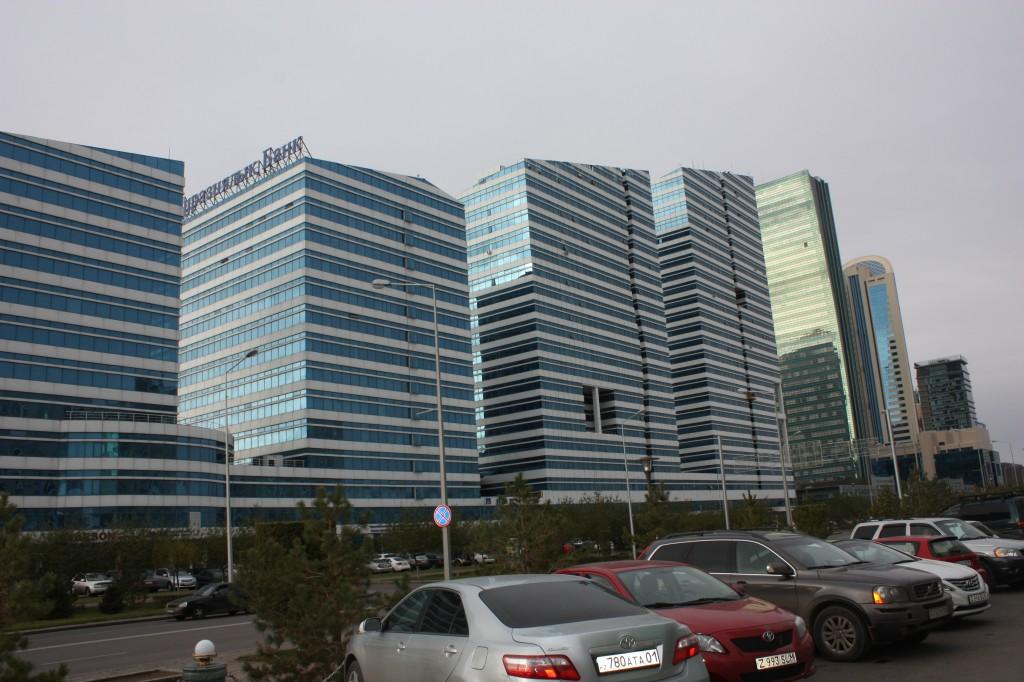 Symbol für den Aufstieg einer Stadt: Bürotürme, Astana. Foto: Michael Kunze.